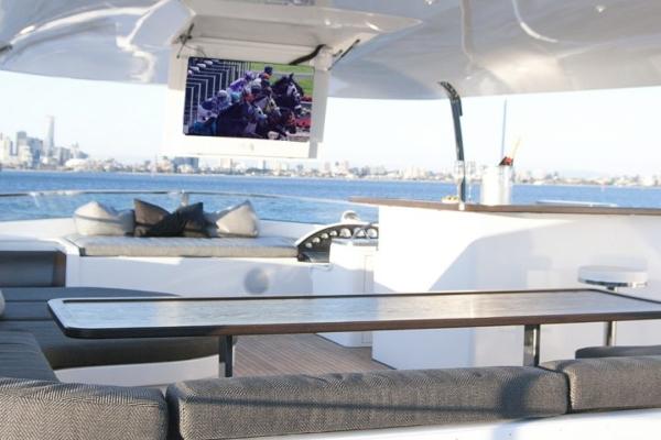 mv-pearl-sky-deck 600x400