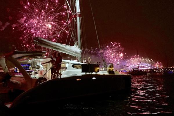 BAREFOOT NYE Fireworks 600x400